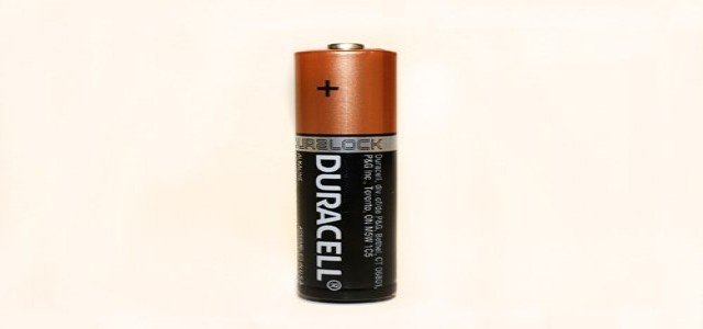 Warren Buffet's Duracell eyes Eveready's battery & flashlight business